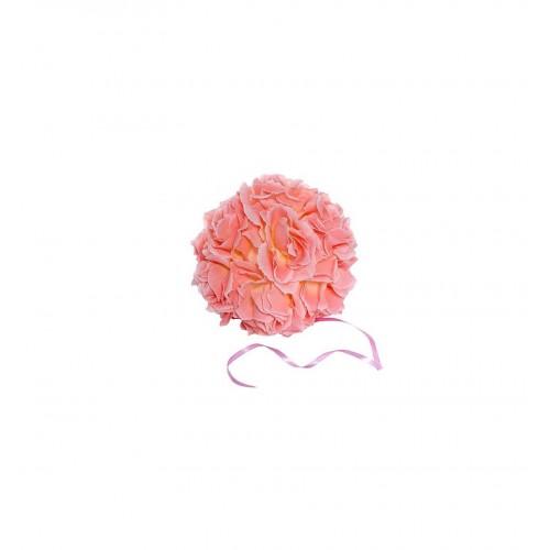 Jasnoróżowa kula kwiatowa