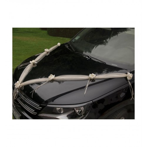 Kremowe girlandy na samochód