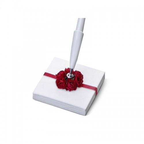 Stojaczek z perłowego papieru z bordowymi różyczkami z białym długopisem