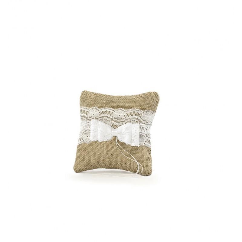 Rustykalna poduszka pod obrączki z koronką