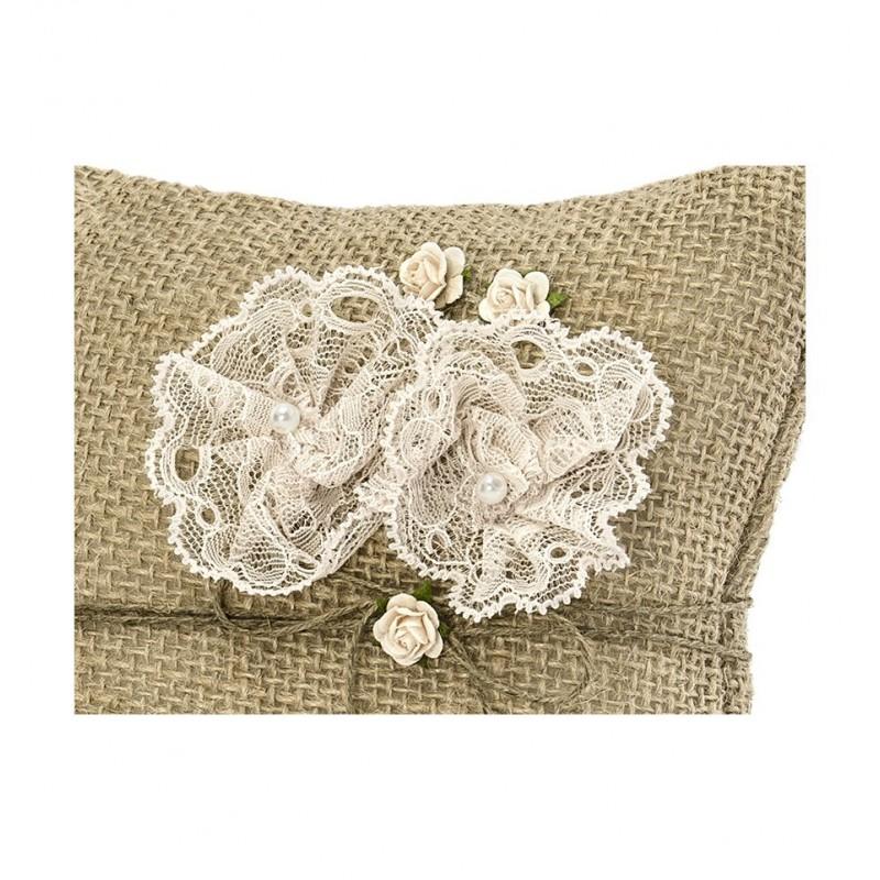 Rustykalna poduszka pod obrączki z kwiatuszkami
