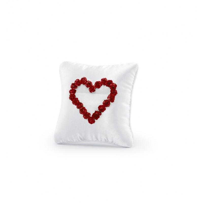 Biała poduszka pod obrączki z czerwonym sercem