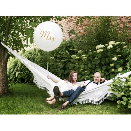 "Biały, pastelowy mega balon ze złotym napisem ""Mrs"""