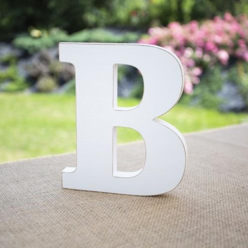 """Drewniana literka """"B"""" - biała"""