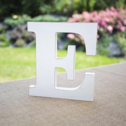 "Drewniana literka ""E"" - biała"