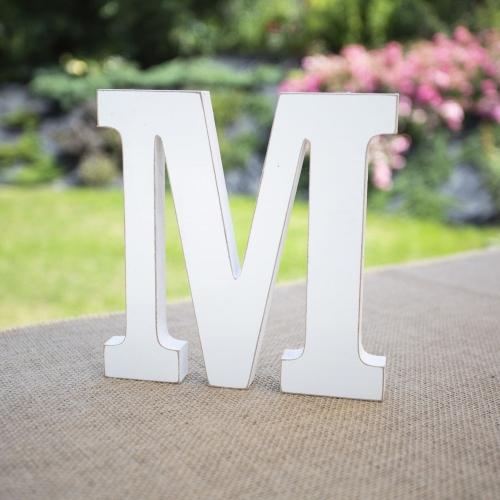"""Drewniana literka """"M"""" - biała"""