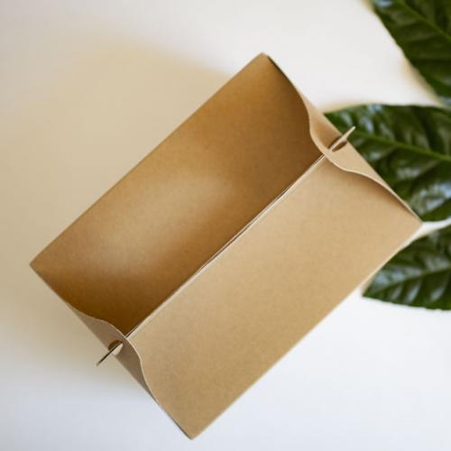 Duże pudełko na ciasto z papieru czerpanego