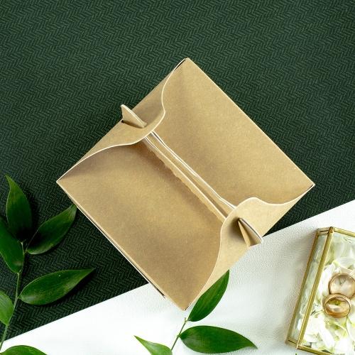 Małe pudełko na ciasto z papieru czerpanego - Frezje