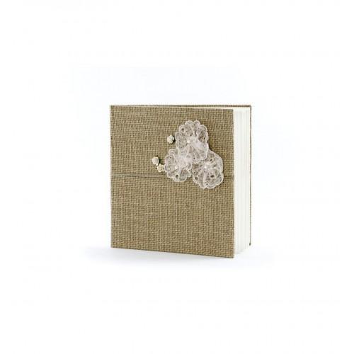Rustykalna księga gości z koronkowymi kwiatami